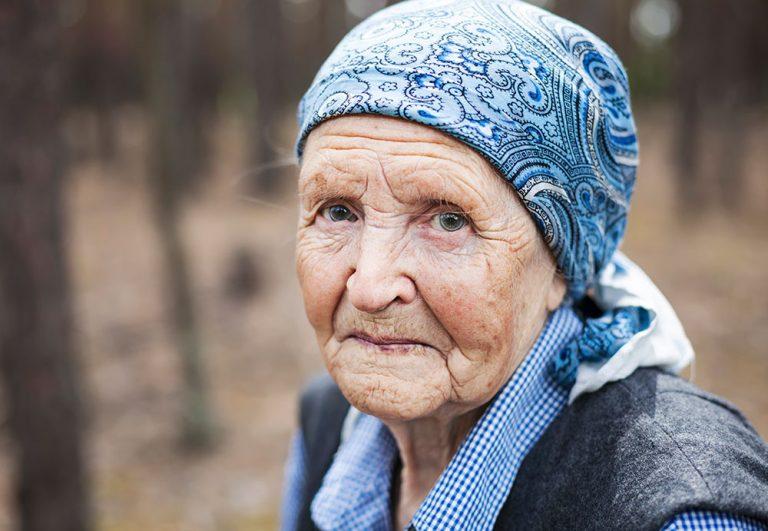Доставка до дома на Безплатна храна за самотни Пенсионери